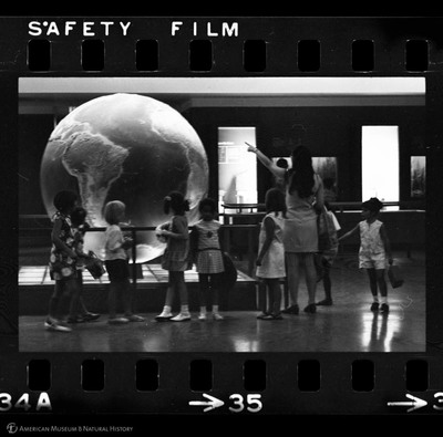 http://lbry-web-002.amnh.org/san/to_upload/35mm_halls_new/61959_35.jpg