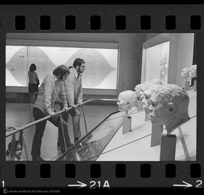 http://lbry-web-002.amnh.org/san/to_upload/35mm_halls_new/63862_21a.jpg
