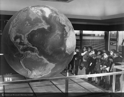 http://images.library.amnh.org/d/t/8x10/0002/00333906_l.jpg